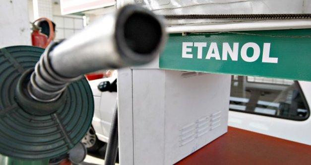 Resultado de imagem para imagens de bombas de etanol em postos de combustíveis